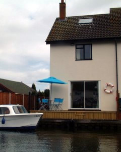 Norfolk Broads Boat Hire and Norfolk Broads Boating Holidays.